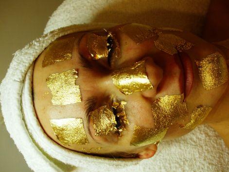 24 Karátos Arany Feltöltő Anti-Age Kezelés